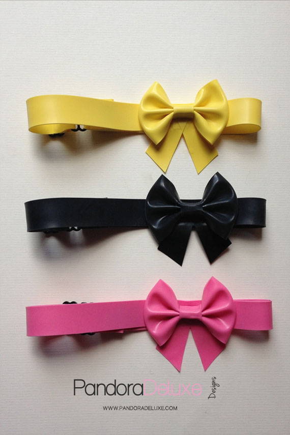 Latex Bow Choker