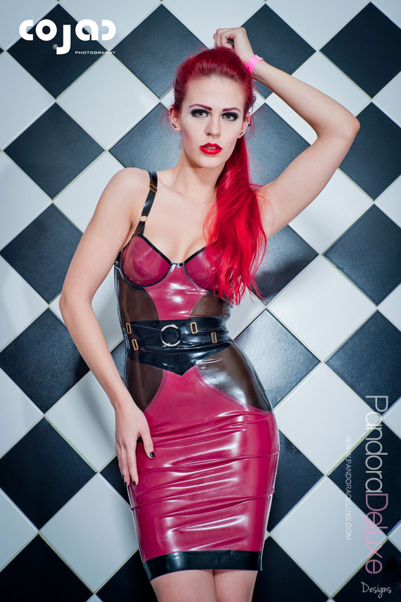 Luxuria latex bra